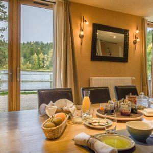 Table d'hôtes : Petit déjeuner, midi, soir
